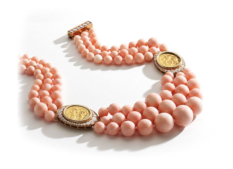 Коралловое ожерелье с золотыми монетами марки Bulgari 1980 года