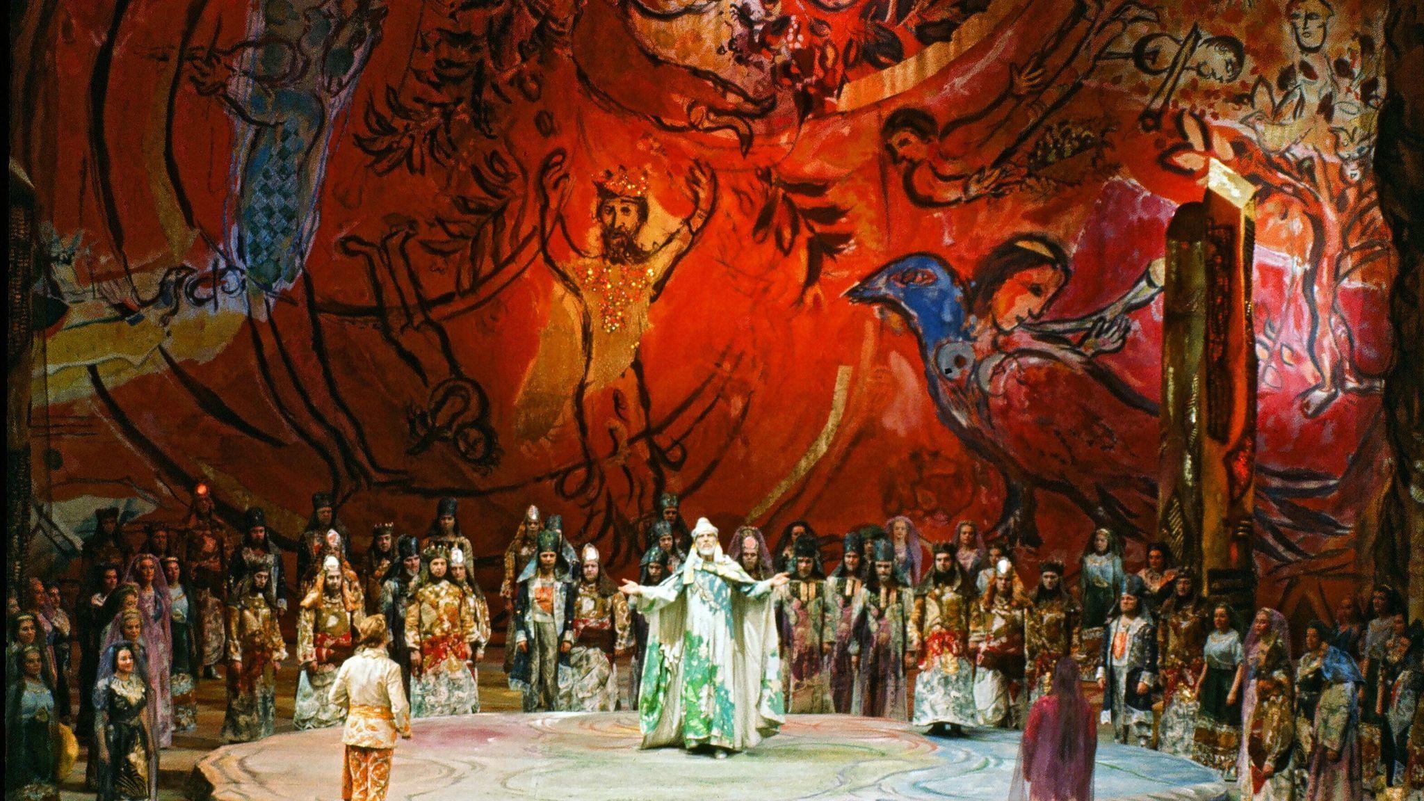 «Волшебная флейта» Моцарта на сцене Metropolitan Opera, в Нью-Йорке, 1967 / Сценография Марка Шагала / Frank Dunand / Metropolitan Opera Archives