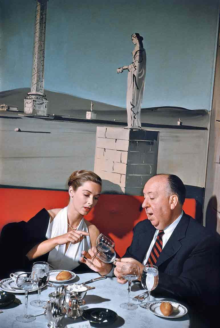 Эллиотт Эрвитт. Альфред Хичкок и Вера Майлз в Нью-Йорке, 1957