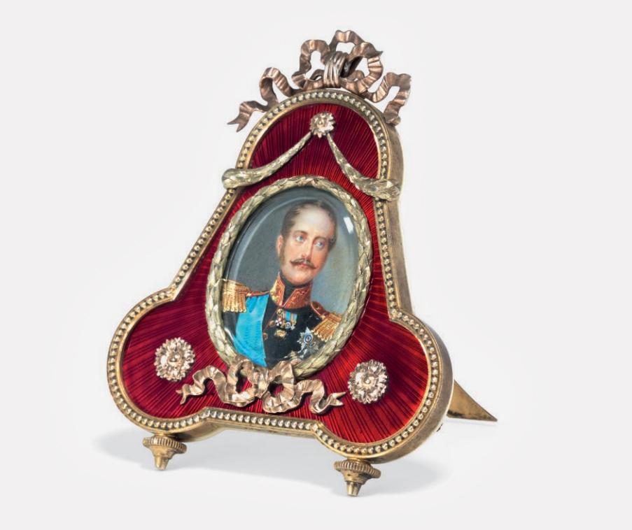 Рамка с миниатюрным портретом императора Николая I работы Ивана Винберга. Серебро, золото, эмаль гильоше. Fabergé, мастер Михаил Перхин. Санкт-Петербург, около 1890 года.