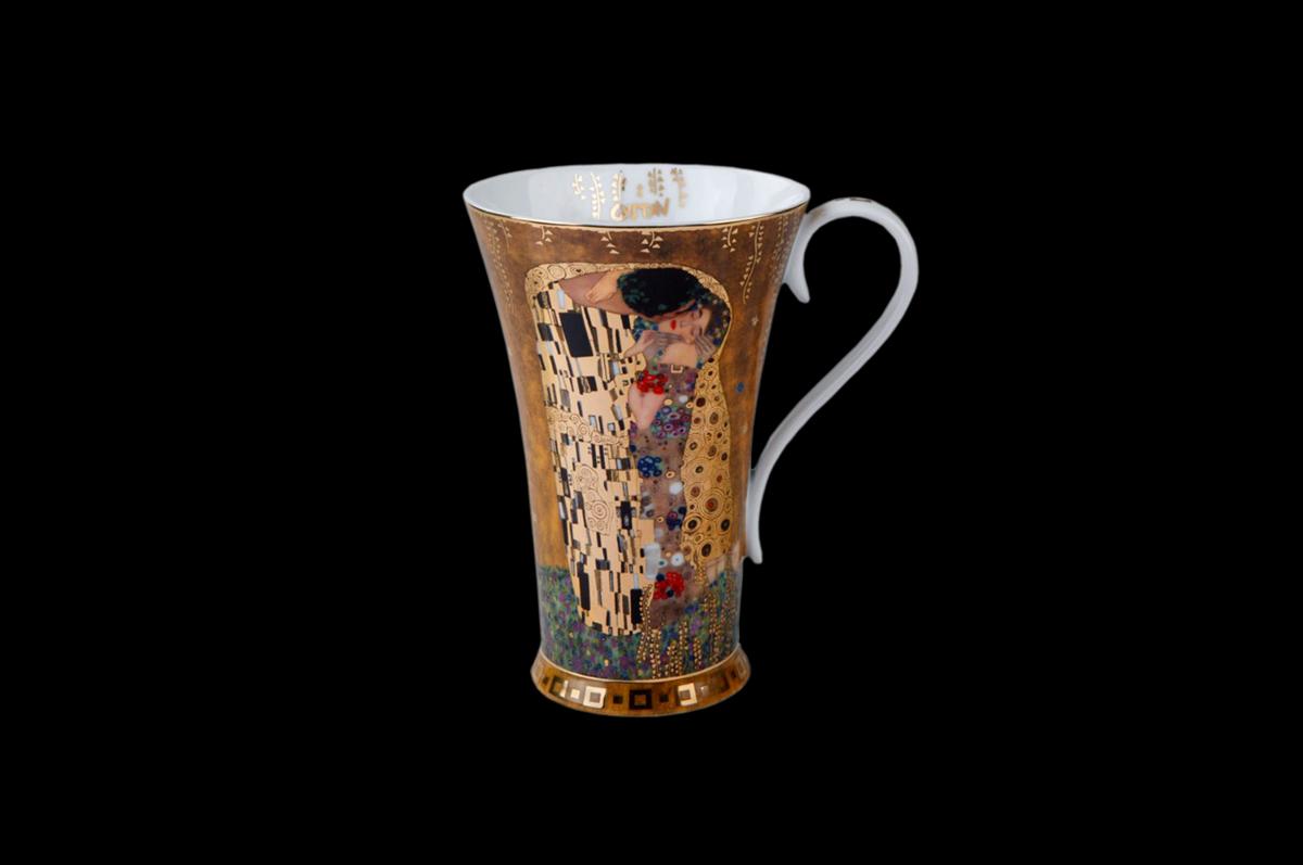 Чашка с изображением картины Густава Климта «Поцелуй» из коллекции «Artis Orbis». Фарфоровая мануфактура «Goebel», Германия.