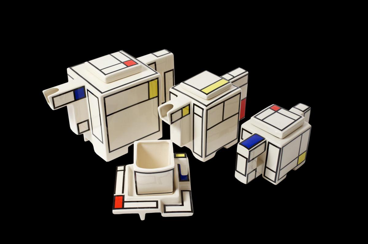 Авторский чайный, вдохновленный Мондрианом. Студия «Art4 Ceramics», дизайнер Дж. Михалик.