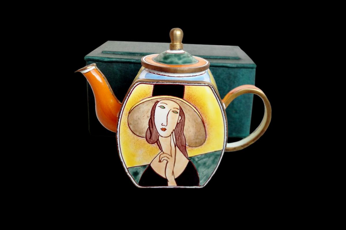 Чайник с женщиной Модильяни из коллекции «Charlotte di Vita Collections».