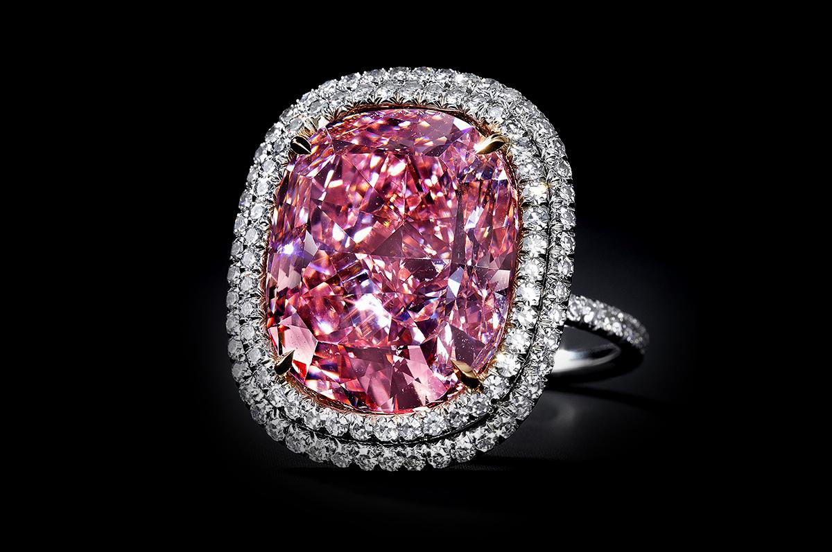 Розовый бриллиант. 16,08 карата. $23,000,000 - $28,000,000