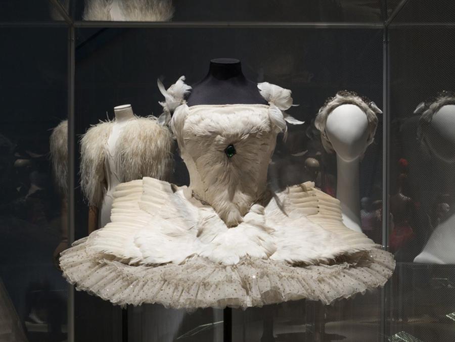 Костюм Анны Павловой «Умирающий лебедь» из Музея Лондона. Фото Eileen Costa. The Museum at FIT