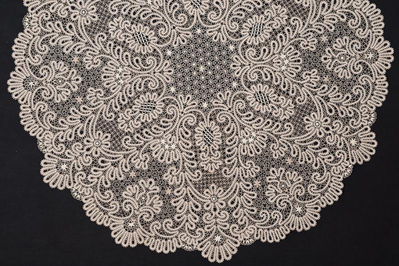 Скатерть «Серебряные цветы» / автор: Ракчеева А.Н.