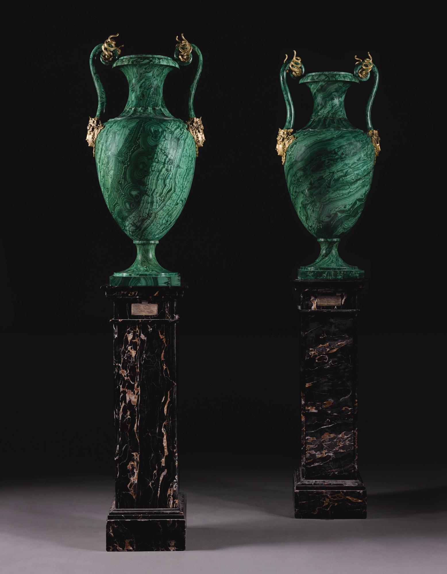 Дворцовые малахитовые вазы Великой княгини Ольги Николаевны