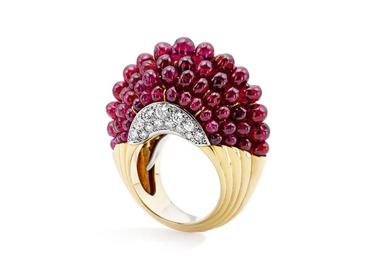 Кольцо Boule из золота 18 карат и платины, инкрустировано рубинами и бриллиантами
