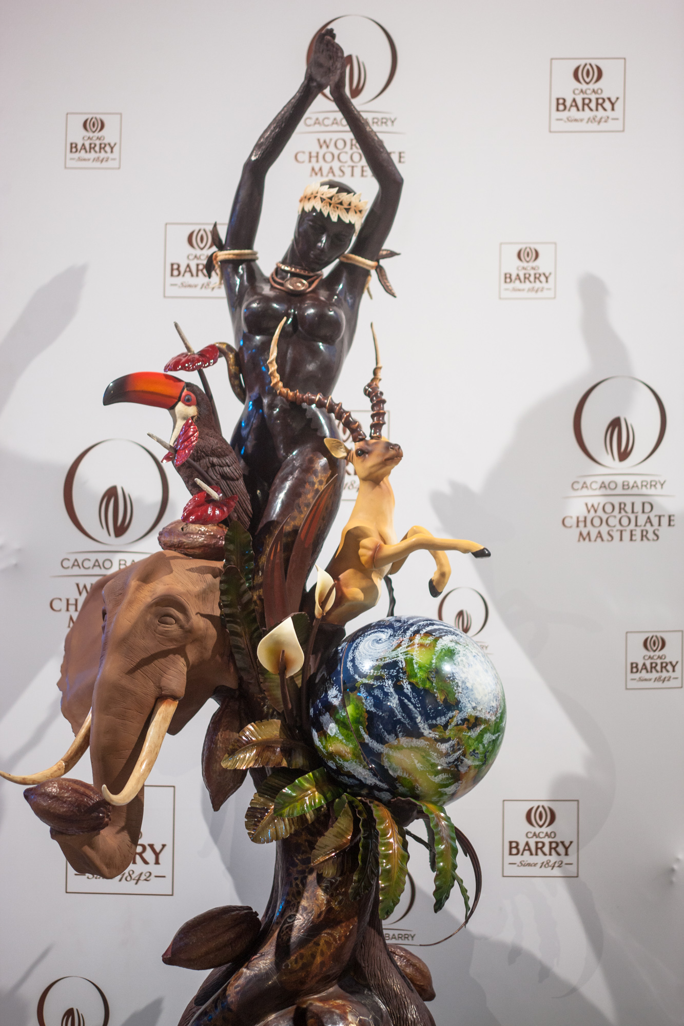 «GAIA — Goddess of the earth» / Хисаси Онобаяси / World Chocolate Masters 2015