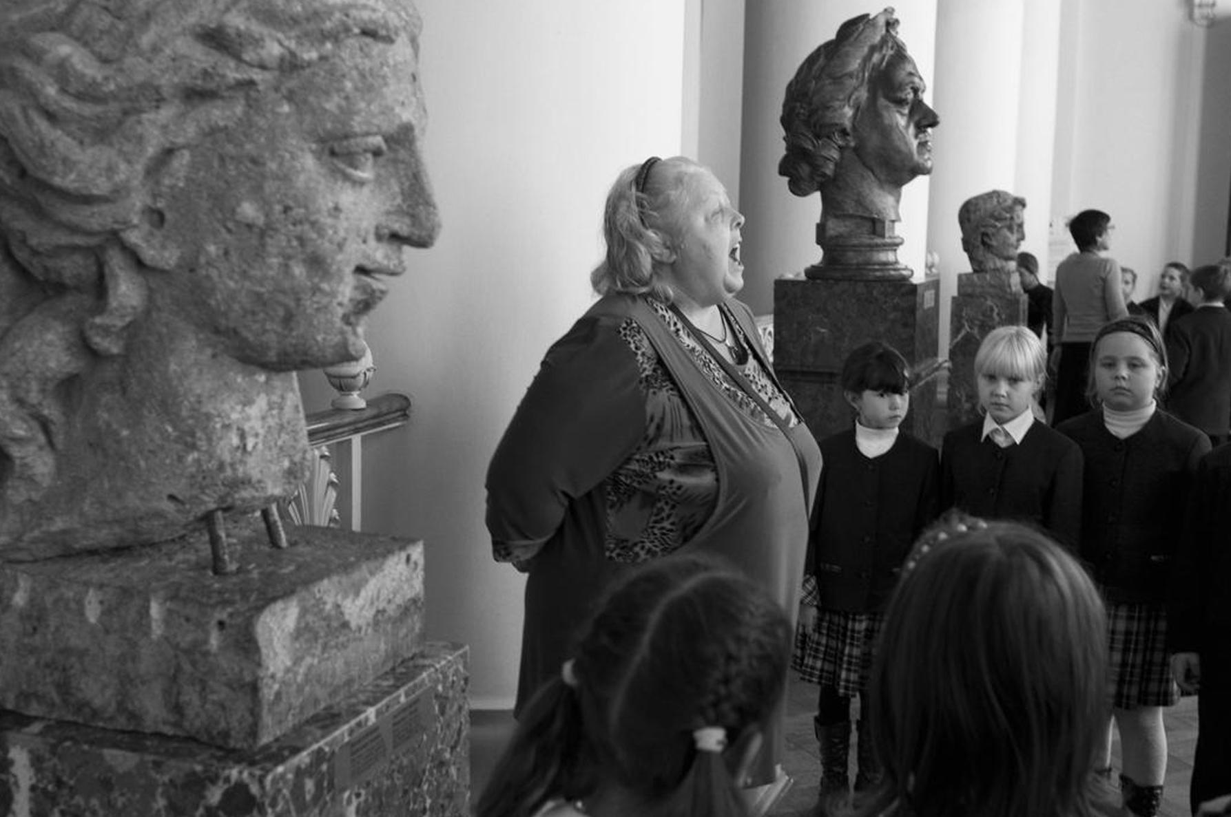 Стюарт Франклин. Школьники во время посещения Русского Музея. Санкт-Петербург. 2010