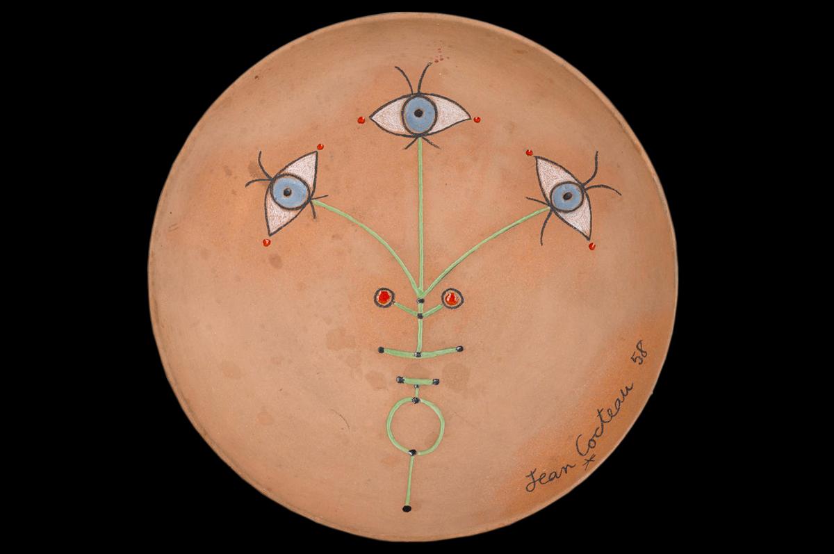 Цветок глаз / Fleur des yeux. Терракотовое блюдо. Жан Кокто, 1958