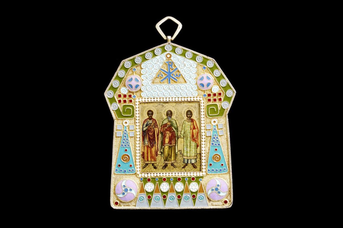 Миниатюра с образом трех Святых, позолоченное серебро, эмаль, орнамент в стиле ар-нуво