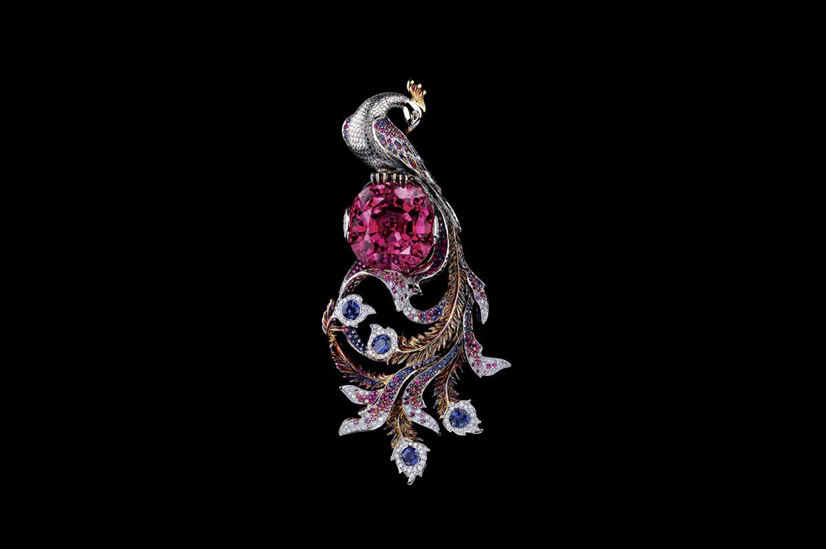 Кулон / белое золото, бриллианты, голубые и розовые сапфиры, турмалин / коллекция Fairy Tales, Jewellery Theatre