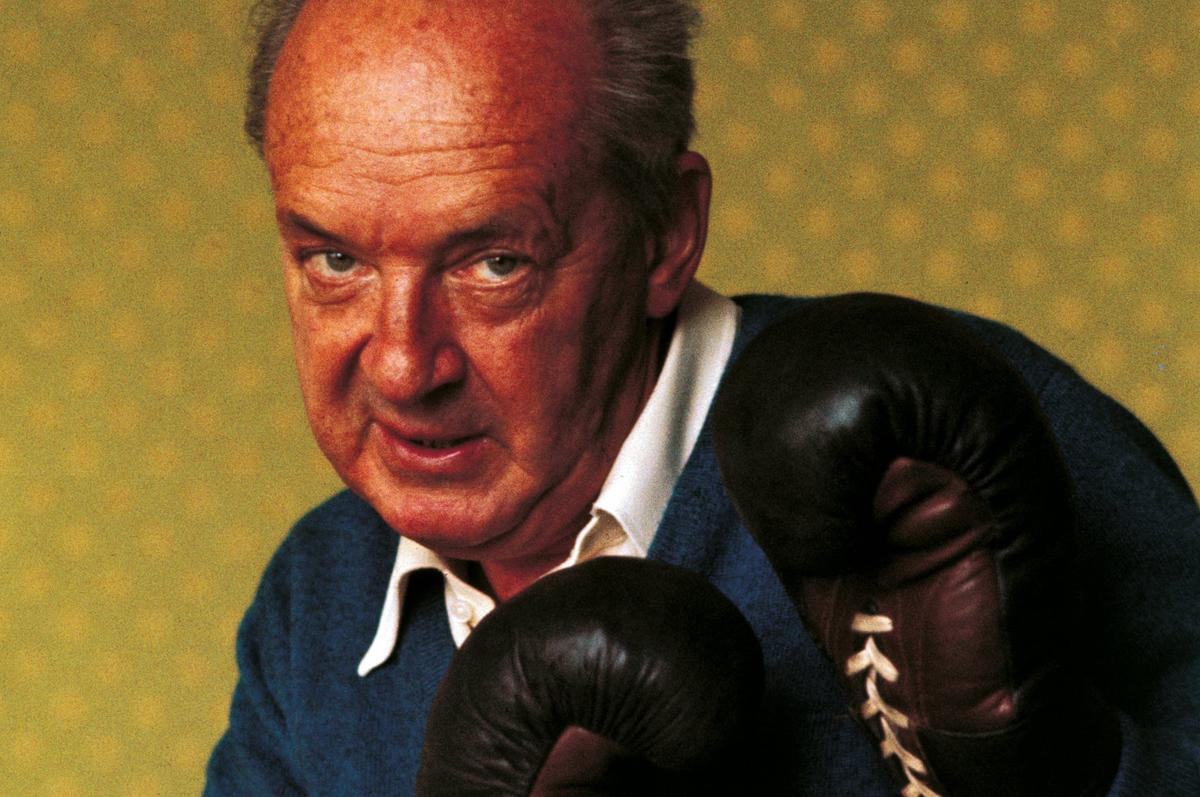 Боксирующий Набоков, 1973. Фотограф — Джузеппе Пино